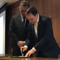 Nas redes sociais: autoridades divulgam a homenagem dos Correios à Universal